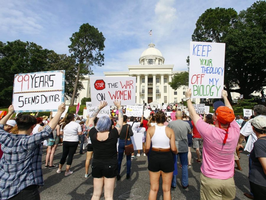 Alabama+Abortion+Law+Sparks+Controversy